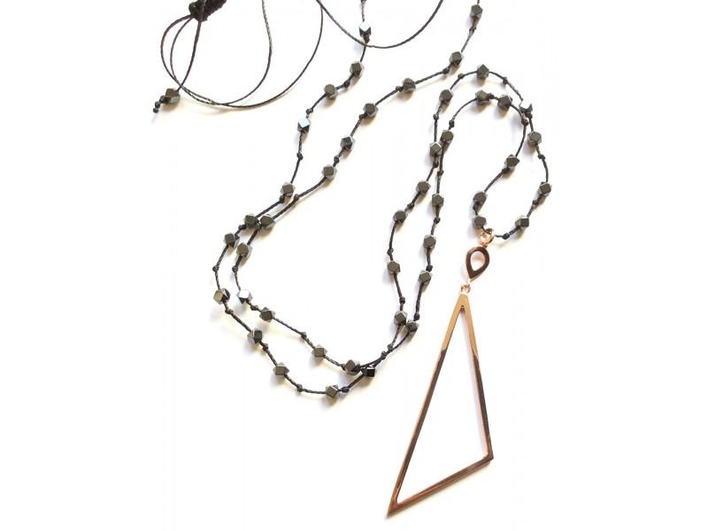 Γυναικείο Κολιέ Ασημένιο Τρίγωνο με Αιματίτη Γυναικείο Κολιέ Ασημένιο  Τρίγωνο με Αιματίτη 2a68e9f3617
